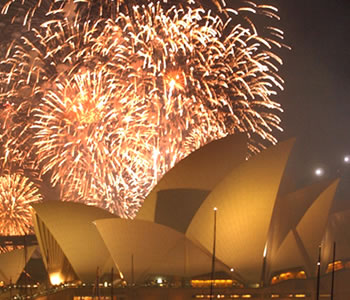 OperaHouse-NYE-Fireworks.jpg