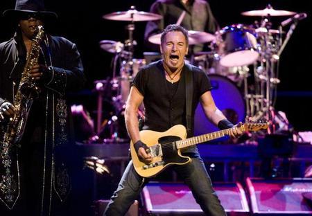Springsteen_onstage.jpg