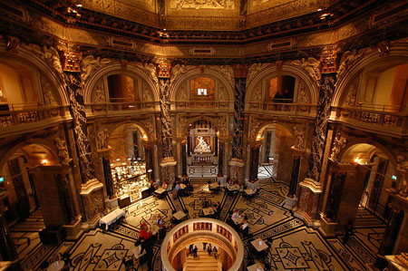 KunsthistorischesMuseumInterior.jpg